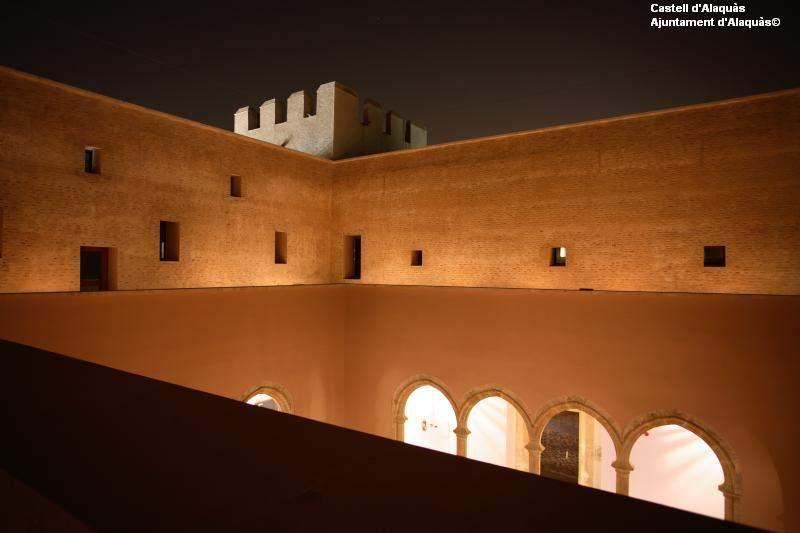 48 plazas para formar parte de la Orquestra del Castell d'Alaquàs. Valencia