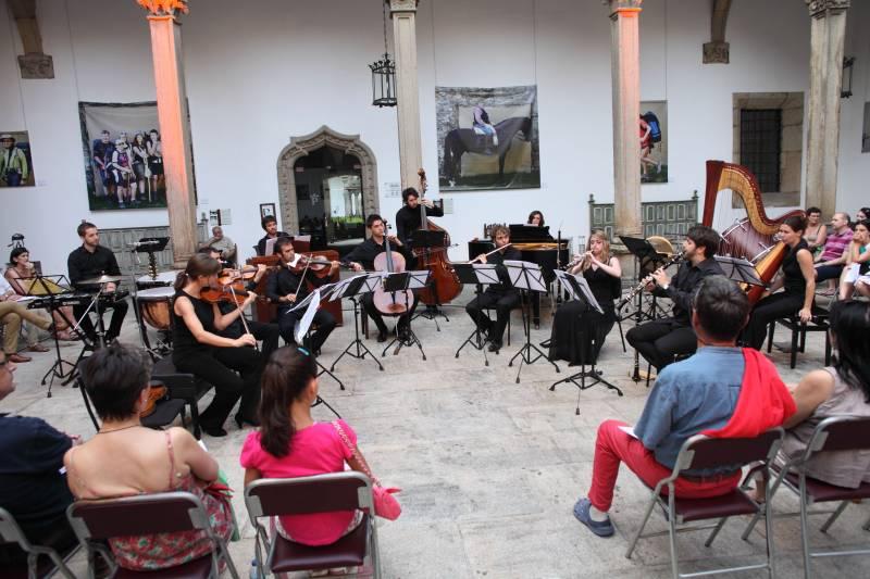 Natalia Ensamble en uno de sus conciertos en Santiago de Compostela