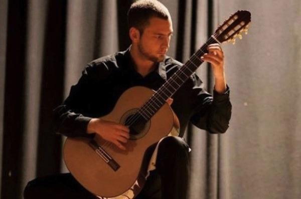 David Antigüedad (CSMA) primer premio en la modalidad de guitarra