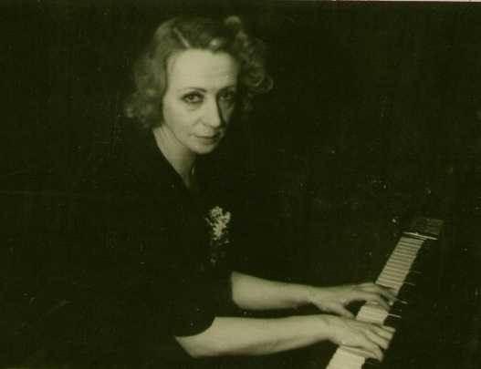 """Becas de piano """"Pilar Bayona"""""""