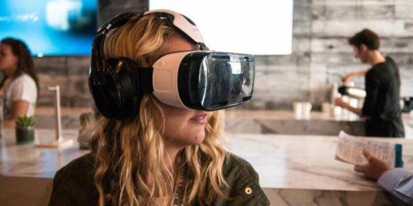 Música y experiencias de realidad aumentada y virtual