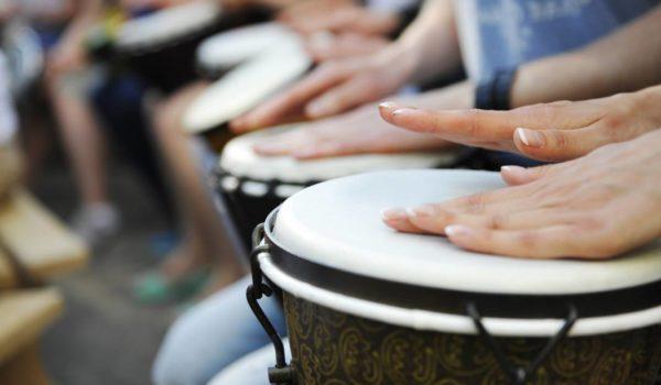 Plaza de percusión en la Escuela de la Asociación Banda de Música de Epila